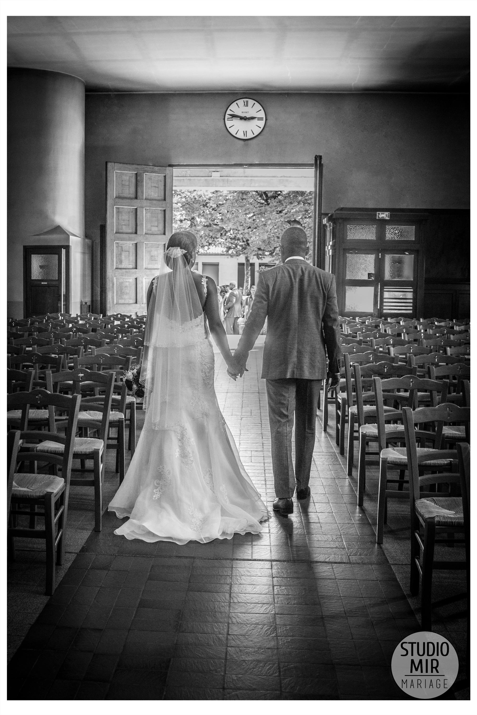 Photographe de mariage à l'Église de Saint-Maur des Fossés - Photo en noir et blanc
