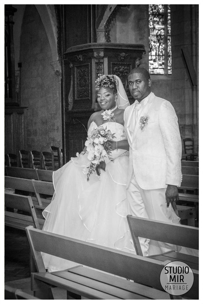 Photographe de mariage à la cathédrale Saint Spire à Corbeil Essonnes