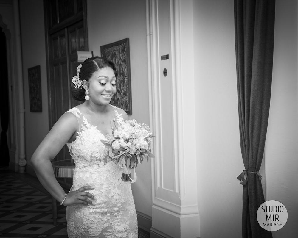 Photographe de mariage : préparatifs de la mariée à l'hôtel Maison-Abbaye à Antony