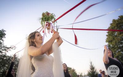 Un lancer de bouquet original pour votre mariage