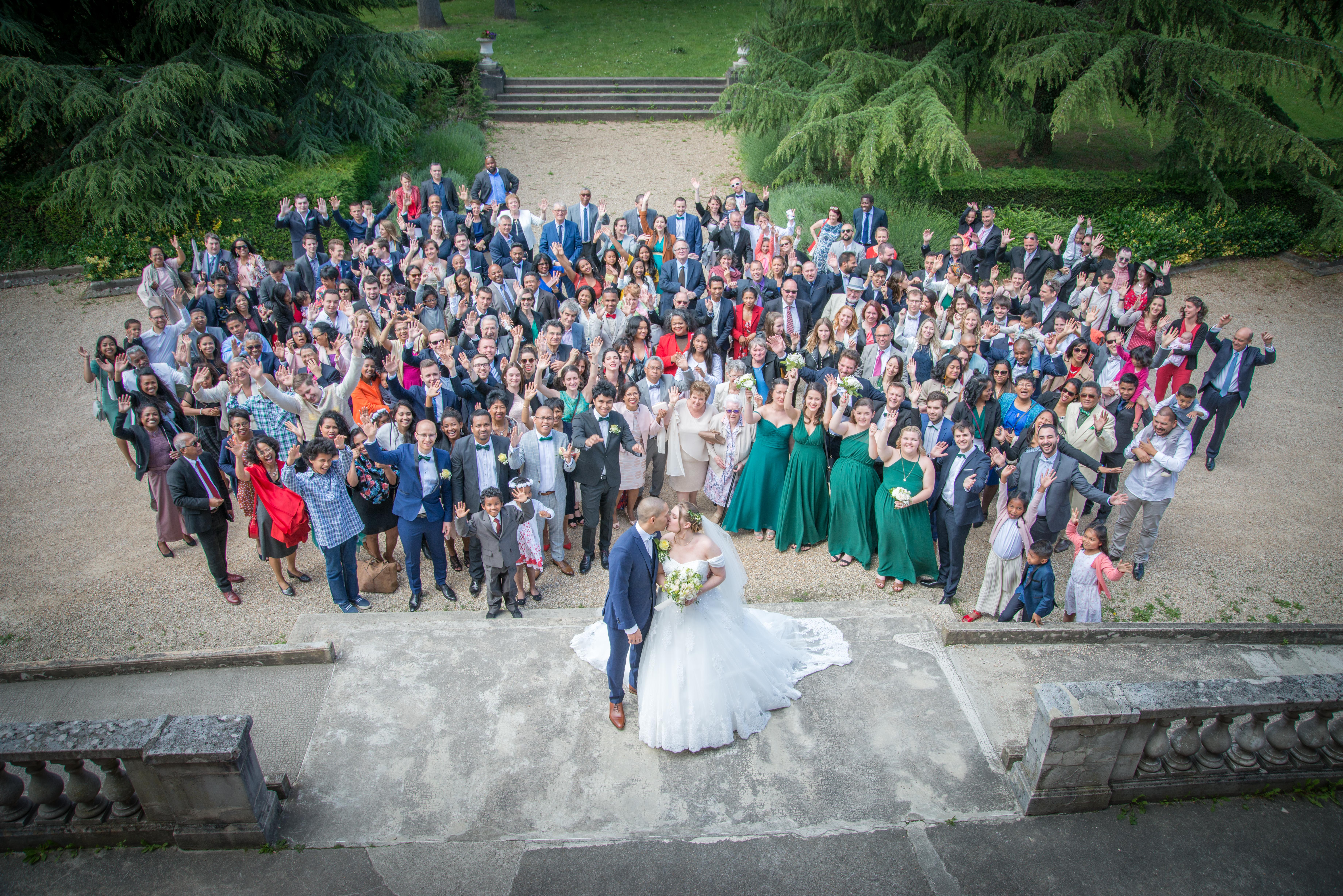 Pour les Photos de groupe de votre Mariage : optez pour le drone