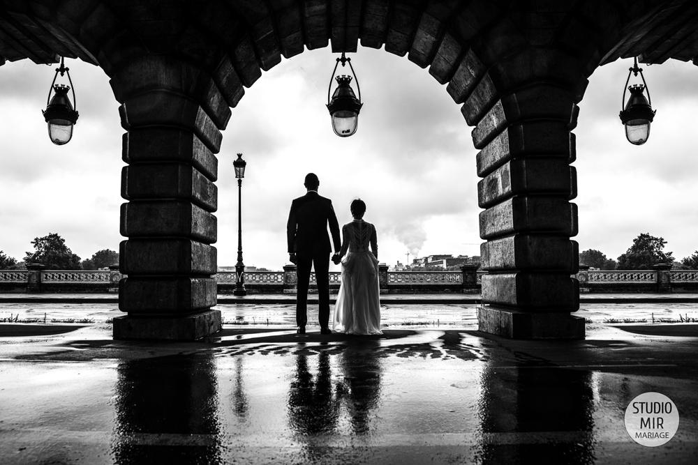 En cas de pluie, le Studio Mir Mariage regorge d'idées – Photos de mariage sous la pluie à Paris